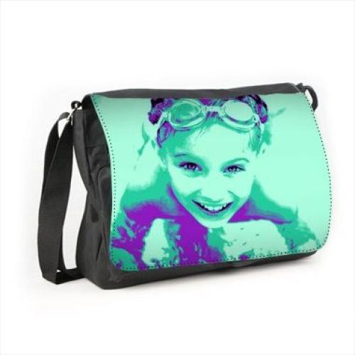 Un sac en bandoulière imprimé photo pop art