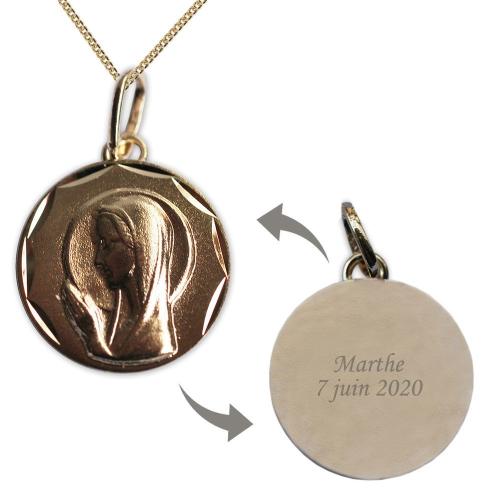 Médaille Vierge Marie en prière en plaqué or gravée