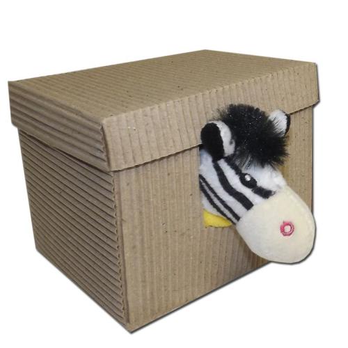 Une boite avec un doudou zèbre