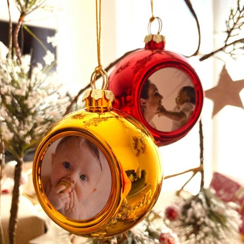 Illustration boules de Noël personnalisées photo