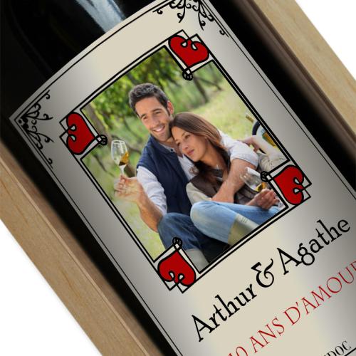 Bouteille de vin personnalisée photo dans cadre coeur