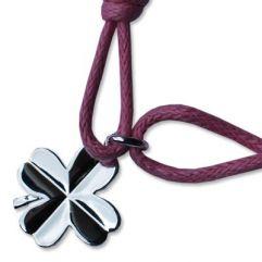 Bracelet enfant petit trèfle gravé