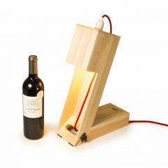 Caisse à vin convertible en Lampe