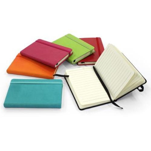 Carnet de voyage couverture en cuir coloré