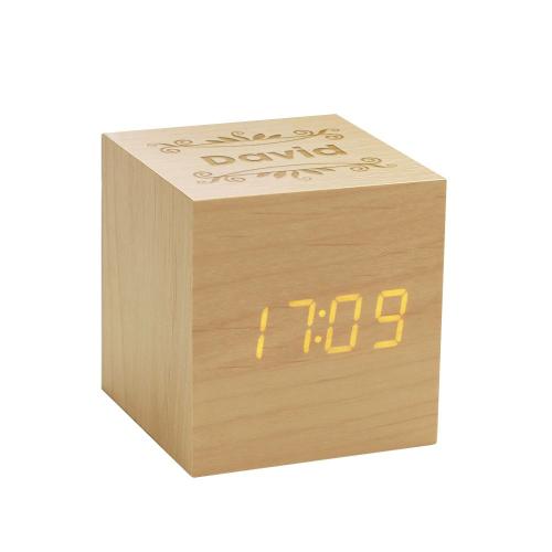 Réveil horloge cube en bois personnalisé prénom
