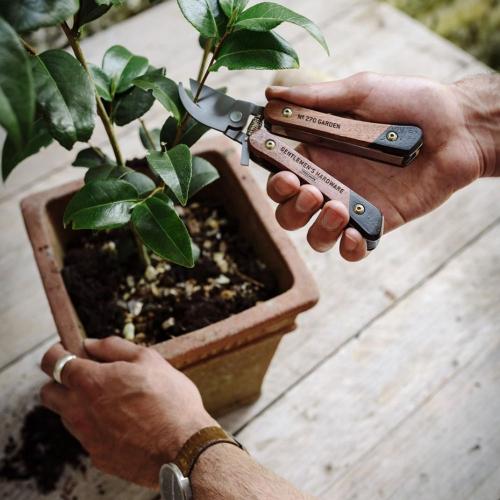 Outil du jardinier multifonctions Gentlemen's Hardware personnalisable