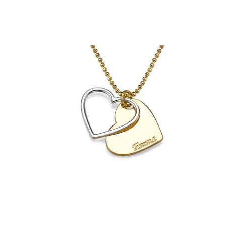 Un pendentif avec petit coeur gravé