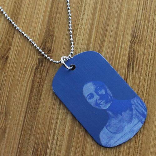 Pendentif plaque bleue personnalisé avec une photo