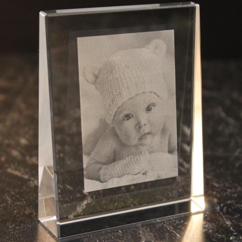 Prisme en verre gravé d'une photo