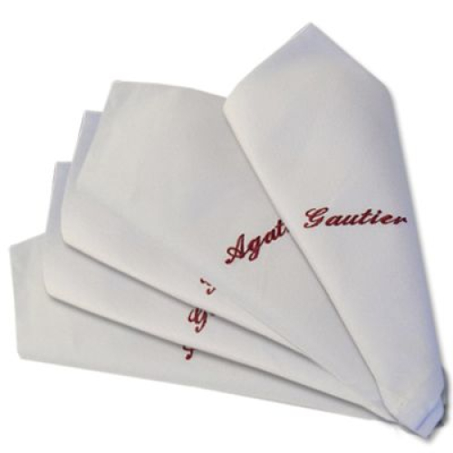 Serviette de table brodée