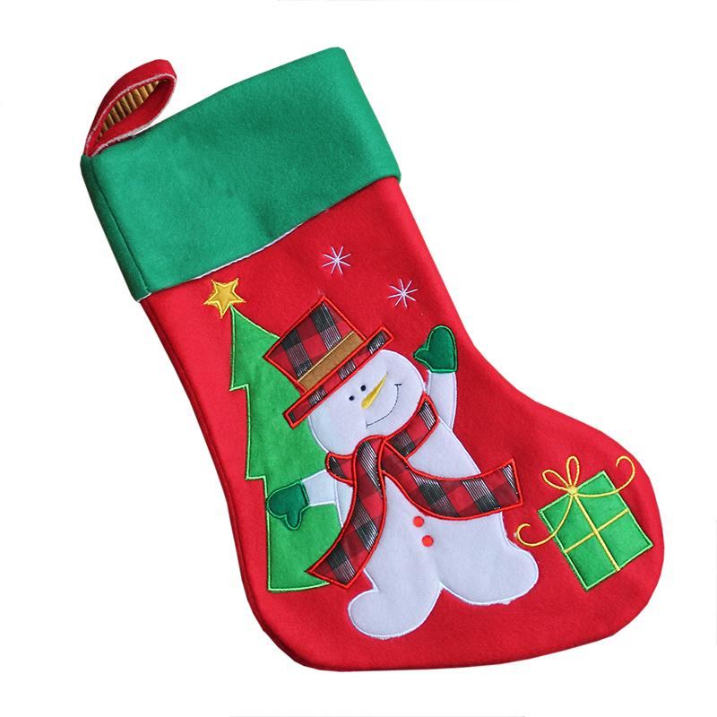 Chaussette de Noël brodée en feutrine épaisse : une idée de cadeau ...