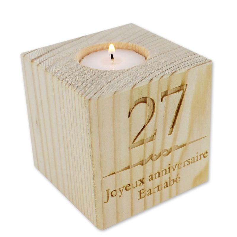 bougeoir cube en bois grav une id e de cadeau original amikado. Black Bedroom Furniture Sets. Home Design Ideas