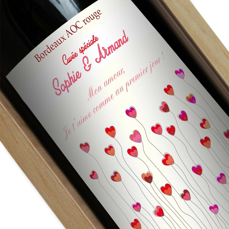 Bouteille de vin personnalisée champ de coeurs