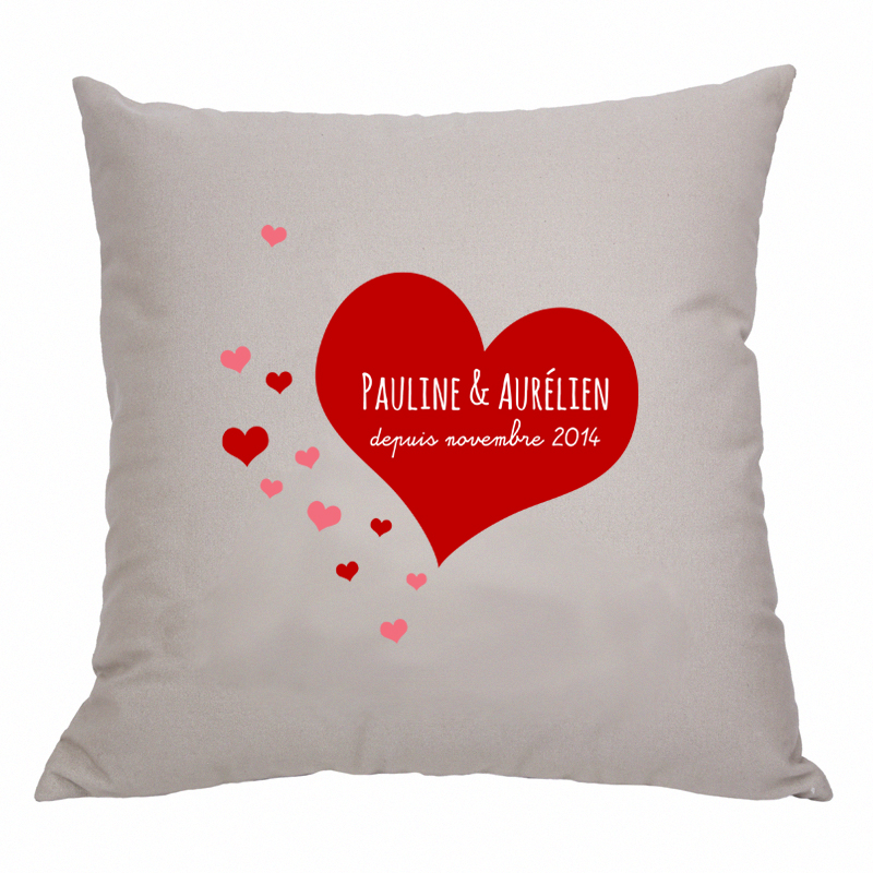 coussin personnalis envol e de coeurs une id e de cadeau original amikado. Black Bedroom Furniture Sets. Home Design Ideas