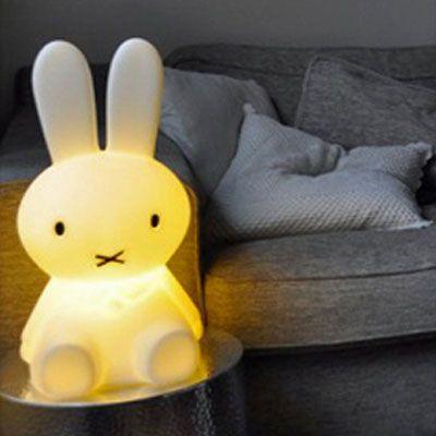 lampe lapin miffy l une id e de cadeau original amikado. Black Bedroom Furniture Sets. Home Design Ideas
