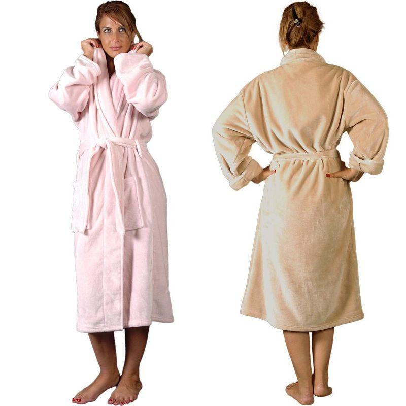 Robe de chambre polaire brodée : une idée de cadeau original | Amikado
