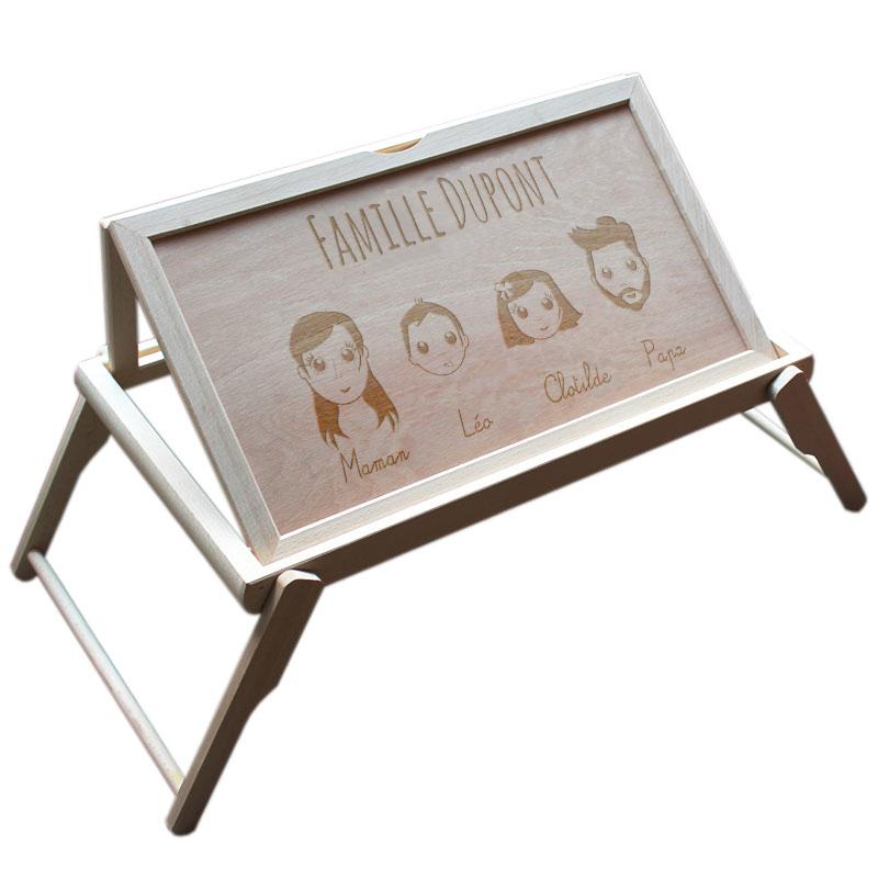 plateau de lit personnalis we are family une id e de cadeau original amikado. Black Bedroom Furniture Sets. Home Design Ideas